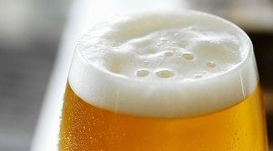 birra e schiuma